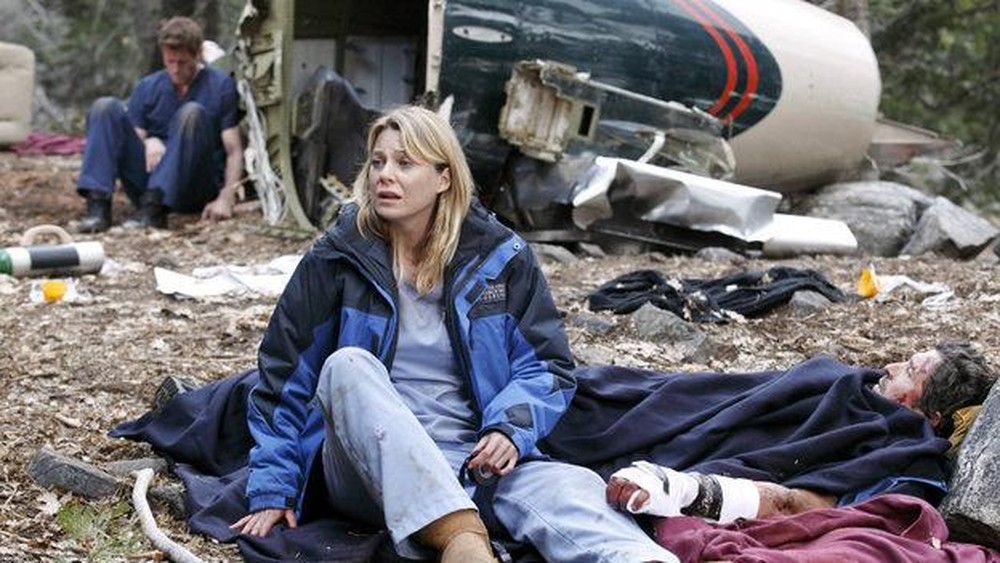 Greys Anatomy 6 Must See Scenes From The Season 8 Plane Crash