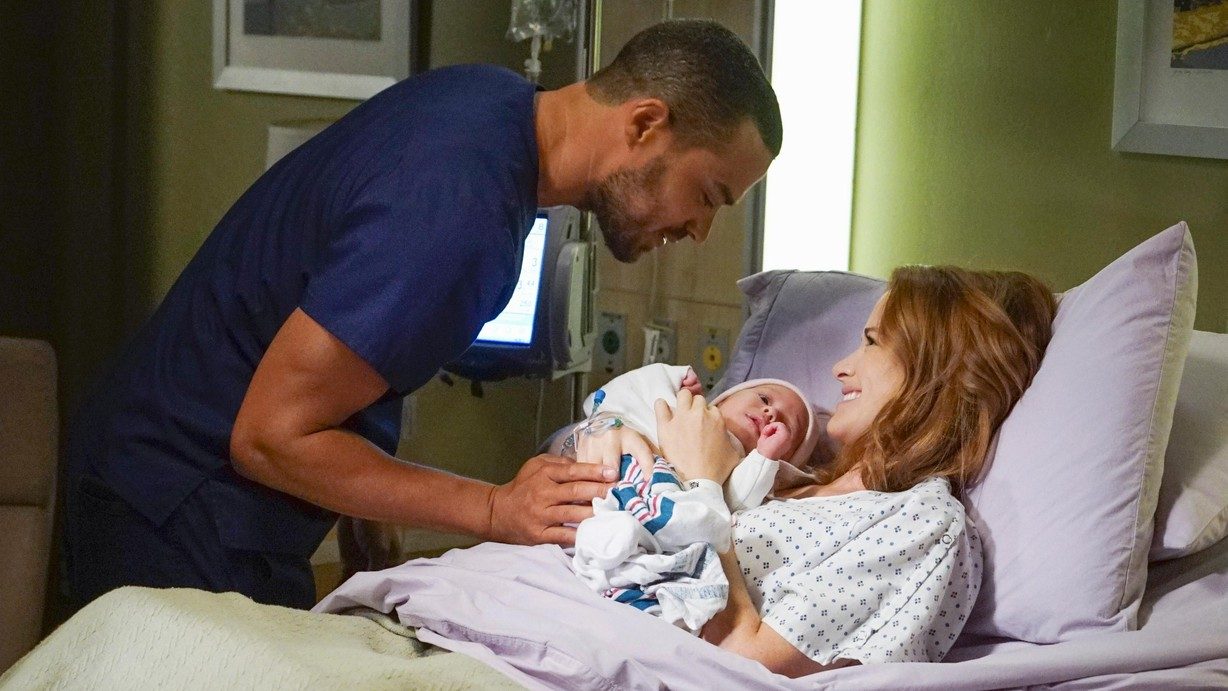 Watch Grey\'s Anatomy Season 13 Episode 01 Season 13 Premiere: Undo ...