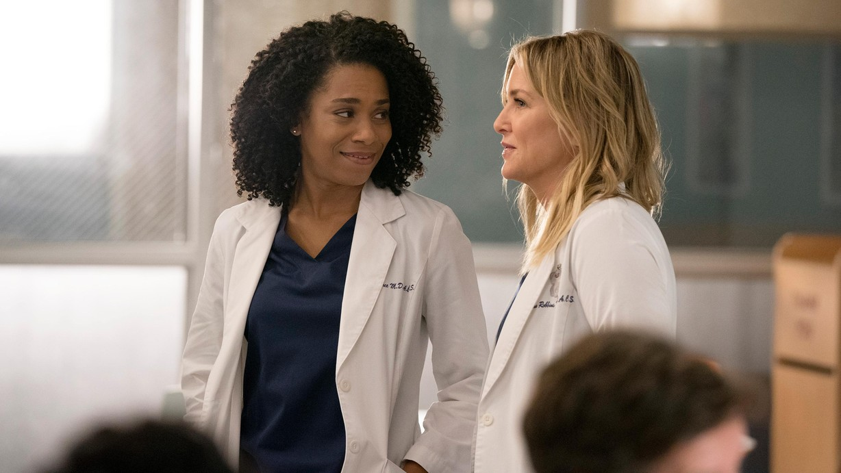 Watch Grey\'s Anatomy Season 14 Episode 13 You Really Got a Hold on ...