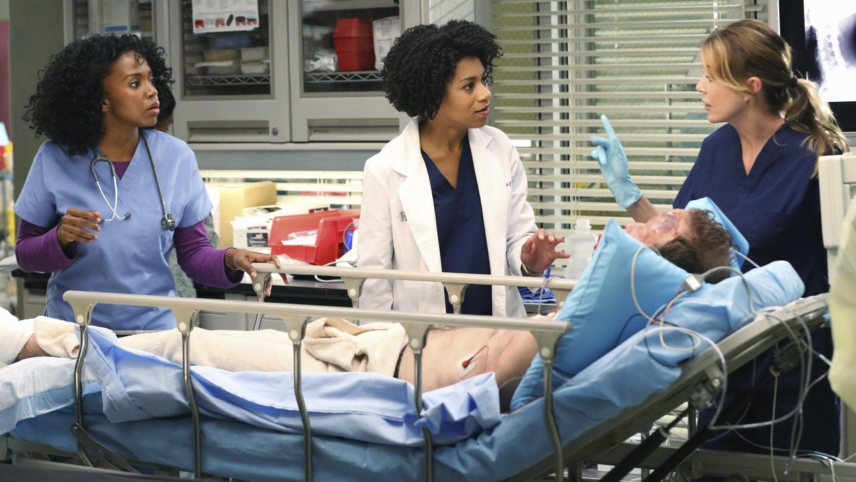 Watch Grey\'s Anatomy Season 11 Episode 01 Season 11 Premiere: I Must ...
