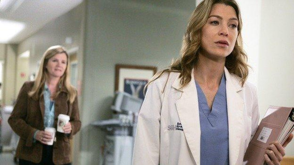 Watch Greys Anatomy Season 2 Episode 22 The Name Of The Game Online