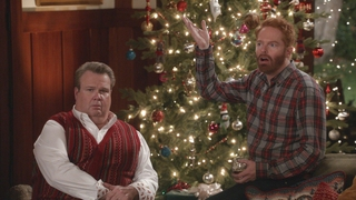 Modern Family Christmas Episodes.Watch Modern Family Season 7 Episode 09 White Christmas Online
