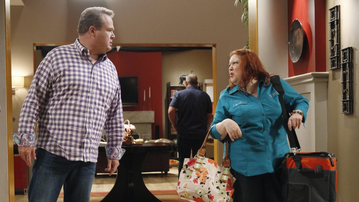 watch modern family season 5 episode 04 farm strong online