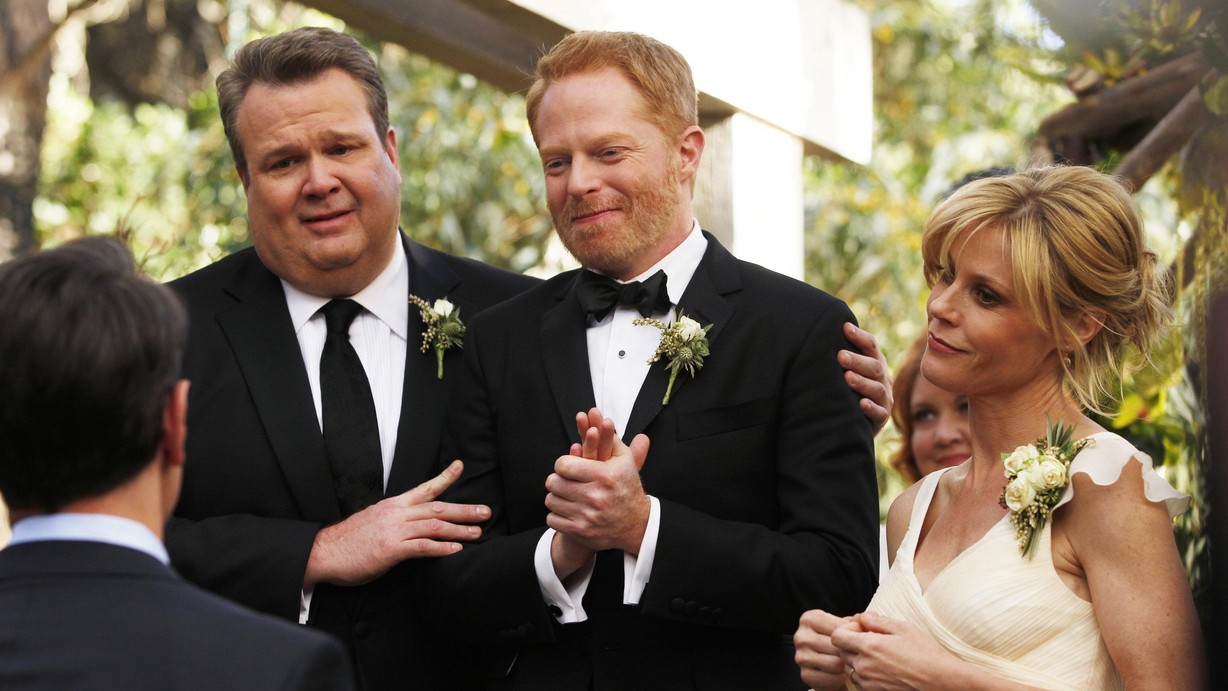 watch modern family season 5 episode 24 season finale the wedding part 2 online