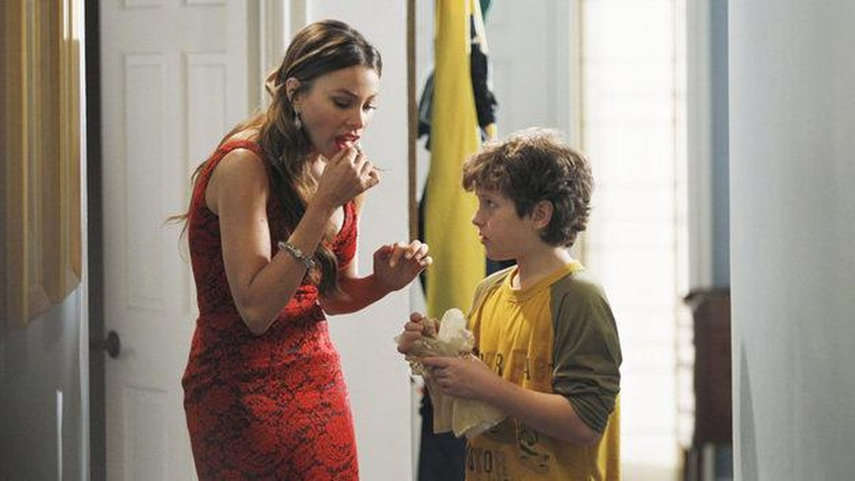 Modern Family Christmas Episodes.Watch Modern Family Season 3 Episode 10 Express Christmas Online