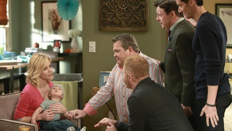 Watch Modern Family Season 6