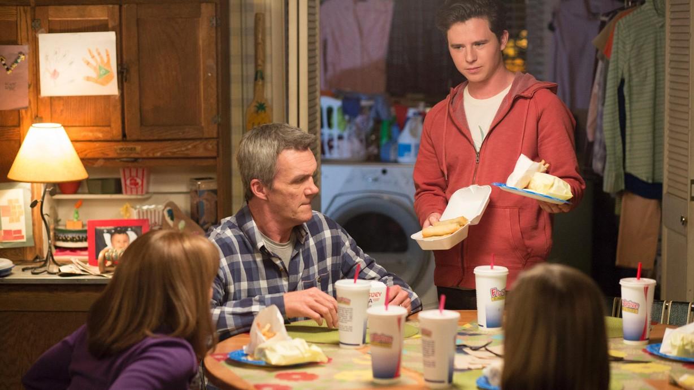 Watch The Middle Season 9 Episode 22 Split Decision Online