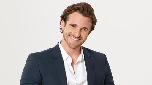 Watch What to Text Him Back TV Show   ABC com ABC com