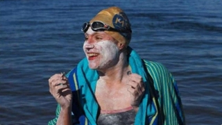 Good Morning America: 09/17/19: Woman is First to Swim English Channel 4 Times in a Row Watch Full Episode   09/17/2019